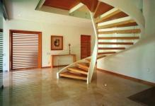 grand-designs-glass-staircase